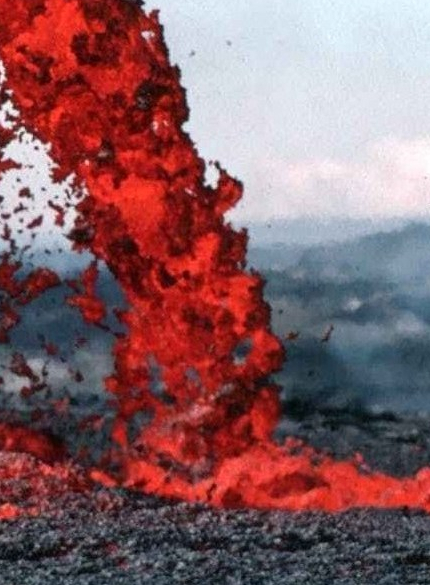 lava-magma-volcanic-eruption-glow-73830-e1545088920980.jpeg